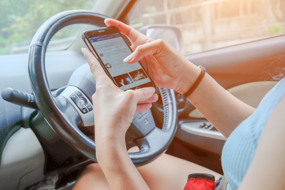 banning texting and driving Driving while distracted is one of the riskiest behaviors for motorists the number of crashes caused by distracted drivers has actually increased since the 2010 iowa law banning texting and.