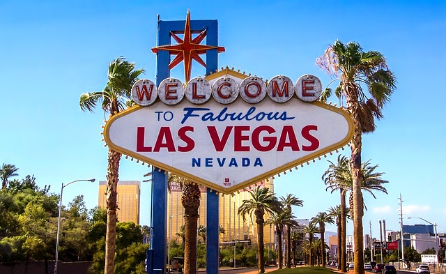 How Much Does a Limo Service Cost in Las Vegas? - Side Car