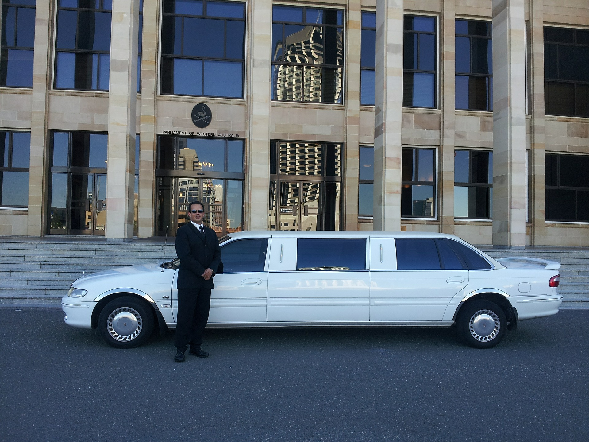 5 Tips for Choosing the Best Limousine Service - Side Car